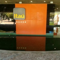 Photo taken at Itaú Unibanco Centro Empresarial by Rodolfo f. on 8/15/2012