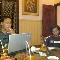 Photo taken at Cirkel Crowd and Coffee by roby k. on 3/3/2012
