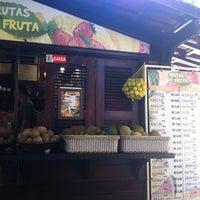 Foto tirada no(a) Kioske Frutas Da Fruta Mercadao por Lillian R. em 7/1/2012