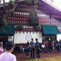 4/6/2012 tarihinde Rafael X.ziyaretçi tarafından Chocolate Montanhês'de çekilen fotoğraf
