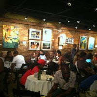 Photo prise au Apache Cafe par Born D. le7/3/2012