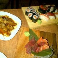 Foto tomada en Sushi Ya 2 por Coral C. el 8/27/2012