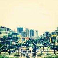 Photo taken at Bonifacio High Street by Hana on 7/25/2012