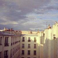 Photo taken at Boulevard de Bonne Nouvelle by Rya O. on 7/14/2012