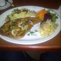 2/11/2012 tarihinde Isagani M.ziyaretçi tarafından Chopin Restaurant'de çekilen fotoğraf