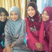 Photo taken at Masjid Kampung Melayu Kangkar Pulai by Pinky2 H. on 4/28/2012