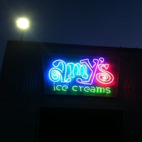 Photo prise au Amy's Ice Creams par Cyndie K. le3/18/2012