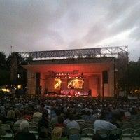 Photo prise au Petrillo Music Shell par Sid S. le9/3/2012