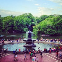 Photo prise au Bethesda Fountain par Jonathan M. le5/13/2012