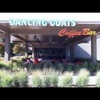 Foto tomada en Dancing Goats Coffee Bar por Jason D. el 8/17/2012
