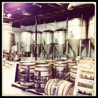 4/5/2012 tarihinde Adam D.ziyaretçi tarafından Deep Ellum Brewing Company'de çekilen fotoğraf