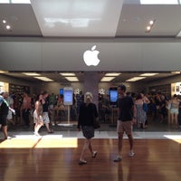 Photo taken at Apple Chermside by Golffy N. on 2/12/2012