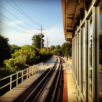 Photo taken at CTA - Noyes by jmm on 8/28/2012