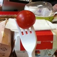 Снимок сделан в McDonald's пользователем Vladislav V. 4/18/2012