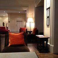 Foto scattata a Hotel Amigo da William v. il 8/12/2012