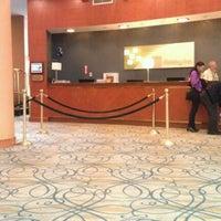 Foto tomada en The Watson Hotel por Marc G. el 4/2/2012