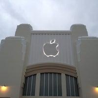 2/25/2012にPiermichele G.がApple Lincoln Roadで撮った写真