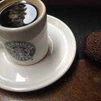 Photo taken at Starbucks by Rafael T. on 2/12/2012