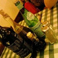 Photo taken at Italianni's Pasta, Pizza & Vino by Cit_lali on 4/14/2012