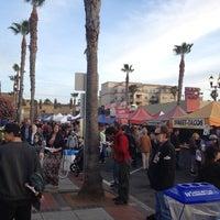4/13/2012 tarihinde Angel S.ziyaretçi tarafından Oceanside Farmers Market'de çekilen fotoğraf