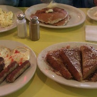 Photo taken at Tom's Diner by Bianca G. on 9/21/2011