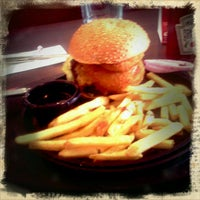 Photo taken at TGI Fridays by Πάνος ο. on 1/8/2012