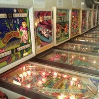 Foto tirada no(a) Seattle Pinball Museum por Erik R. em 8/6/2011
