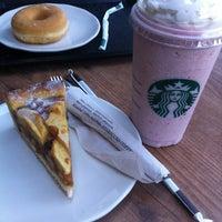 Снимок сделан в Starbucks пользователем Paul H. 3/13/2012