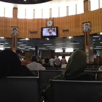 Photo taken at Bank Melli Iran | بانک ملی ایران by Nadi on 7/14/2012
