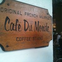 Photo taken at Café Du Monde by Tara B. on 2/27/2012