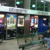 Photo taken at Greyhound Bus Lines by Sapo L. on 9/17/2011