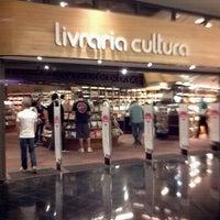 6/17/2012 tarihinde Marcello S.ziyaretçi tarafından Livraria Cultura'de çekilen fotoğraf