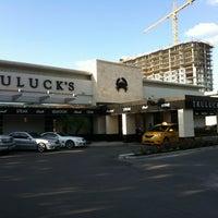 รูปภาพถ่ายที่ Truluck's โดย Bob C. เมื่อ 5/23/2012