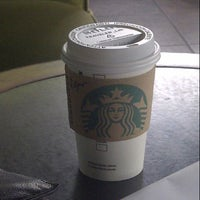 Photo taken at Starbucks Oficinas by Edgar R. on 7/27/2012