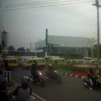 Photo taken at Lampu Merah Pertigaan Bypass by Winengku N. on 12/8/2011