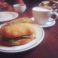 Das Foto wurde bei Grindcore House von Josh N. am 8/10/2012 aufgenommen