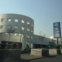 Foto tomada en Plaza Universidad por Luis Felipe S. el 4/20/2012