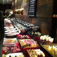 Foto tirada no(a) Restaurante Amadeus por Luiz A. em 11/24/2011