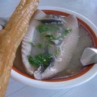 Photo taken at 阿憨鹹粥 by Shoko I. on 8/16/2011