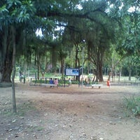 Photo taken at Parque Recanto do Trovador by Rogério M. on 1/13/2012