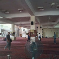 Photo taken at Masjid Jamek Sultan Abdul Aziz by Sharifah Salmi S. on 1/18/2012