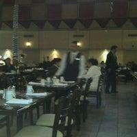 Photo taken at Restaurante El Patio de Hotel Pueblo Amigo by Ricardo G. on 9/23/2011