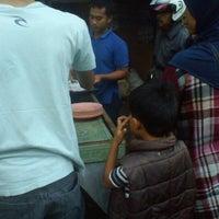 Photo taken at Kolam Pemancingan Pulo Gebang by Ony Tri Y. on 8/7/2012