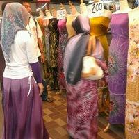 Photo taken at Pasar Payang by Kak Gie M. on 4/29/2012