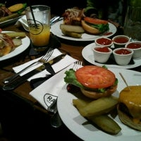 Photo taken at Rare Bar & Grill Lexington by Lee Y. on 5/27/2012