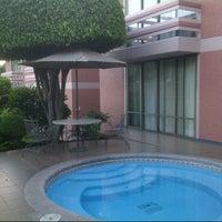 รูปภาพถ่ายที่ Quality Inn โดย José Luis V. เมื่อ 8/3/2012