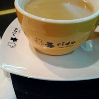 Photo taken at 里豆咖啡 Rido Coffee 環亞店 by Joseph L. on 4/18/2012