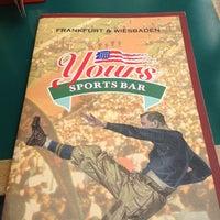 Das Foto wurde bei Yours Sports Bar von Maurin L. am 4/15/2012 aufgenommen