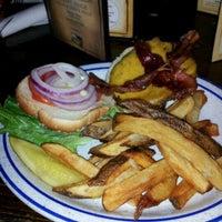 2/1/2012 tarihinde Ryan W.ziyaretçi tarafından The Field Irish Pub & Restaurant'de çekilen fotoğraf