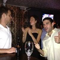 Photo prise au Gramercy Park Bar par Doug S. le9/8/2012